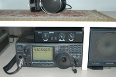 Icom IC-910H + Micro KEYER